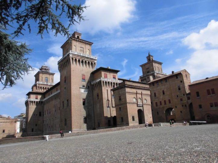 ferrara_castello_estense
